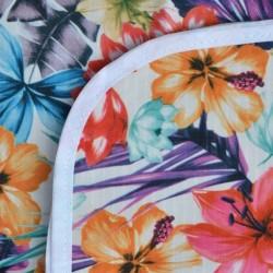 Mantel Impermeable flores y hojas verde