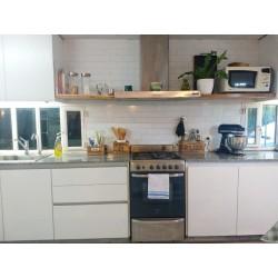 Mueble de cocina Pili a medida en melamina blanca