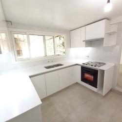 Mueble de cocina Feli a medida laqueado blanco brillante