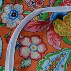 Mantel Impermeable flores fondo naranja